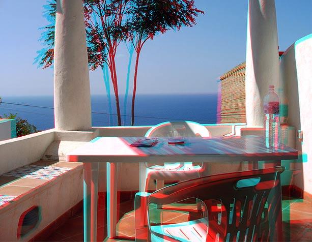 Immagine visibile in 3D (anaglifo) con occhialini bicromatici (una lente rossa e l'altra blu)