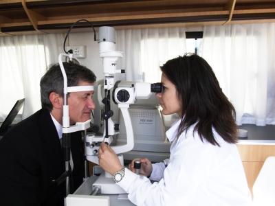 Il Sindaco di Roma Gianni Alemanno inaugura i check-up oculistici gratuiti a Roma il 16 maggio