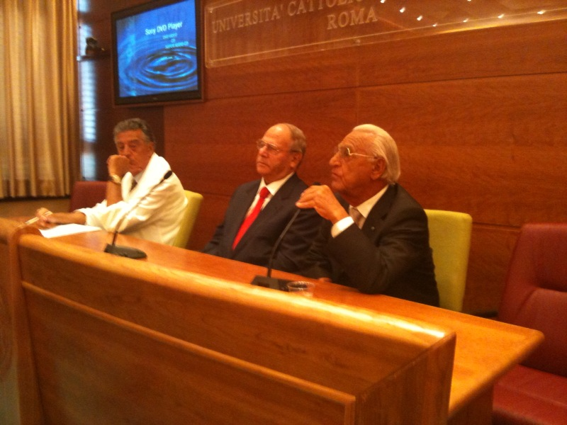 Da sinistra: Prof. E. Balestrazzi (Policlinico A. Gemelli), avv. Giuseppe Castronovo (Presidente IAPB Italia onlus) e prof. Tommaso Daniele (Presidente UICI onlus)