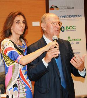 L'avv. Giuseppe Castronovo (IAPB Italia onlus) con Nicoletta Carbone (Radio 24)