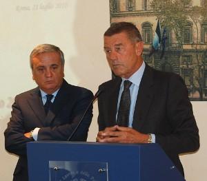 Il Ministro della Salute Ferruccio Fazio (a destra) e il Ministro del Lavoro Maurizio Sacconi