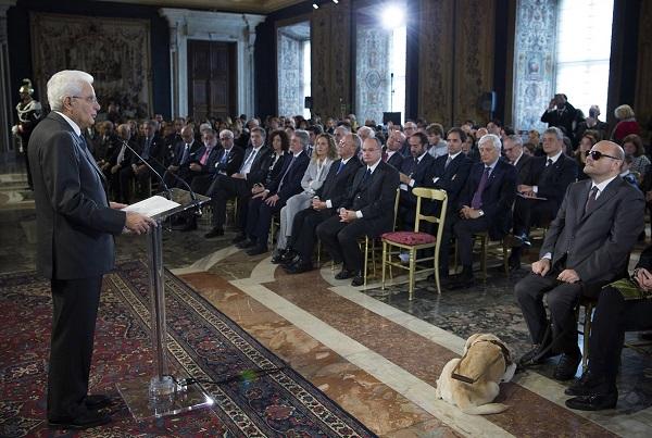 Il Presidente della Repubblica Mattarella nella Sala dei Corazzieri (Foto Quirinale, 3 dicembre 2015)
