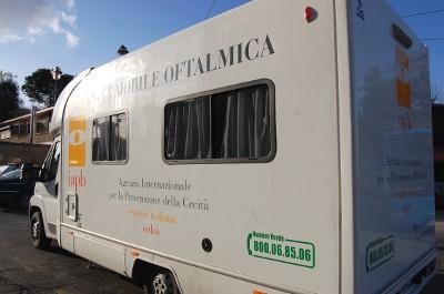 Unità mobile oftalmica