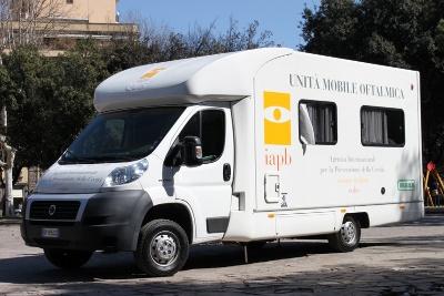 Unità mobile oftalmica della IAPB Italia onlus (camper attrezzato per controlli oculistici gratuiti)