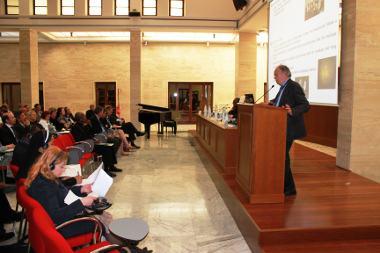 Il Prof. Alfredo Reibaldi (Polo Nazionale per la Riabilitazione Visiva) tiene una relazione presso il Vaticano il 4 maggio 2012