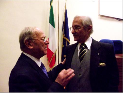 Da destra il Prof. Mario Stirpe (Fondazione Bietti) con l'avv. Giuseppe Castronovo (IAPB Italia onlus)