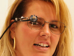 Dispositivo di eye tracking montato su occhiali
