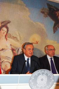 Ministro del Welfare Maurizio Sacconi (Sala stampa di Palazzo Chigi)