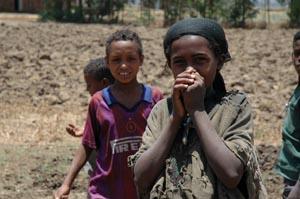 Bambini etiopi. La IAPB Italia onlus ha realizzato 113 pozzi per combattere una malattia oculare chiamata tracoma