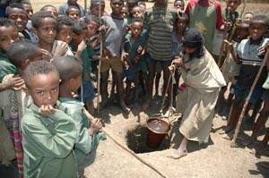 Pozzo in Etiopia. La IAPB Italia onlus ne ha realizzati 113 contro il tracoma