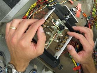 Dispositivo piezoelettrico per la simulazione dei movimenti oculari con una videocamera (Georgia Tech Photo: Joshua Schultz)