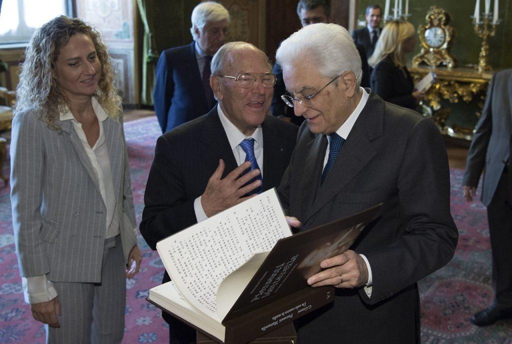 Da destra il Presidente della Repubblica Sergio Mattarella, il Presidente della IAPB Italia onlus Giuseppe Castronovo e la figlia Marcella