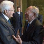 Il Presidente della Repubblica Mattarella col Presidente della IAPB Italia onlus Giuseppe Castronovo (Foto Quirinale)
