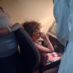 Molly, bambina malata di retinite pigmentosa, in una sala dedicata alla riabilitazione visiva pediatrica