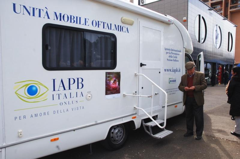 Unità mobile oftalmica della IAPB Italia onlus (Roma, 11 marzo 2014)