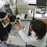 Controllo oculistico gratuito in una Unità mobile oftalmica della IAPB Italia onlus (Roma, 14 ottobre 2010)
