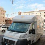 Check-up oculistici gratuiti a Roma con la Unità mobile oftalmica della IAPB Italia onlus (P.za S. Silvestro, 14 ottobre 2010)