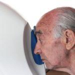 Foto del fondo oculare a bordo di una Unità mobile oftalmica della IAPB Italia onlus (Latina, 21 maggio 2013), durante uno studio epidemiologico condotto assieme a Cnr e Oms