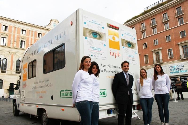 Unità mobile oftalmica della IAPB Italia onlus per il controllo della retinopatia diabetica (Roma, 29 maggio-1 giugno 2013)