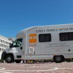 Unità mobile oftalmica della IAPB Italia onlus di fronte al Palazzo dei Congressi (Roma Eur)