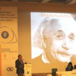 Prof. Alfredo Reibaldi, responsabile scientifico del Polo Nazionale Ipovisione, durante un suo intervento al Simposio internazionale ipovisione e riabilitazione (Roma, 15-17 dicembre 2010)