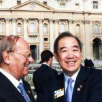 Da sinistra: avv. Giuseppe Castronovo (Presidente della IAPB Italia onlus) e il dott. Wing-Kun Tam (presidente del Lions Clubs International)