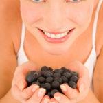 frutta-donna-occhi_azz-verticale-foto_di_freedigitalphotos.net.jpg