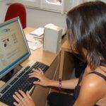 internauta_bruna_schermo-spalle-web.jpg