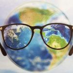 mondo_con_occhiali.jpg