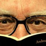 andrea_camilleri-libro_e_occhiali.jpg